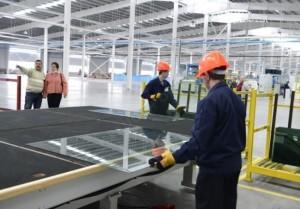 Производство автомобильных стекол  (2)
