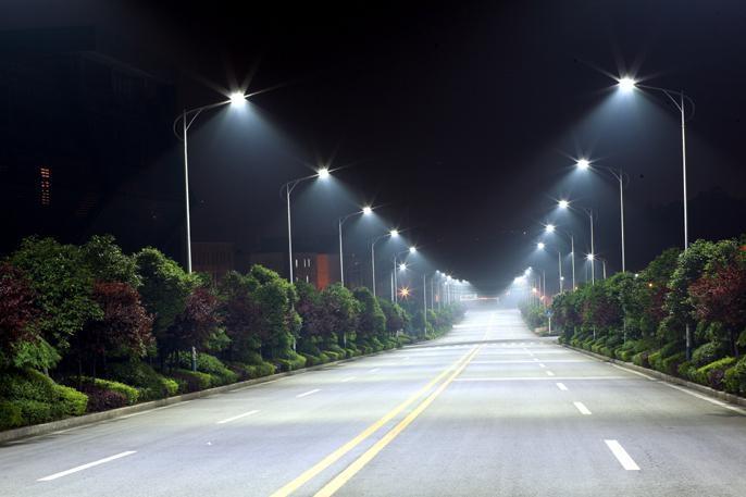 Китай почти в 2 раза увеличил экспорт уличных фонарей LED (3)