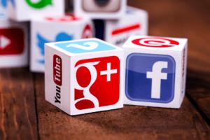 Google уличили в сговоре с Facebook!